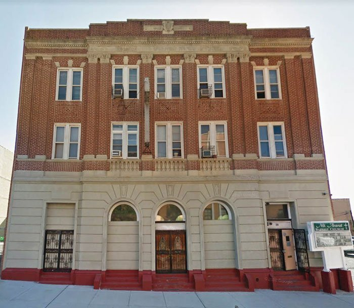 Tipheres Ha'gro building on Howard Ave. The History of Brownsville Jewish Community