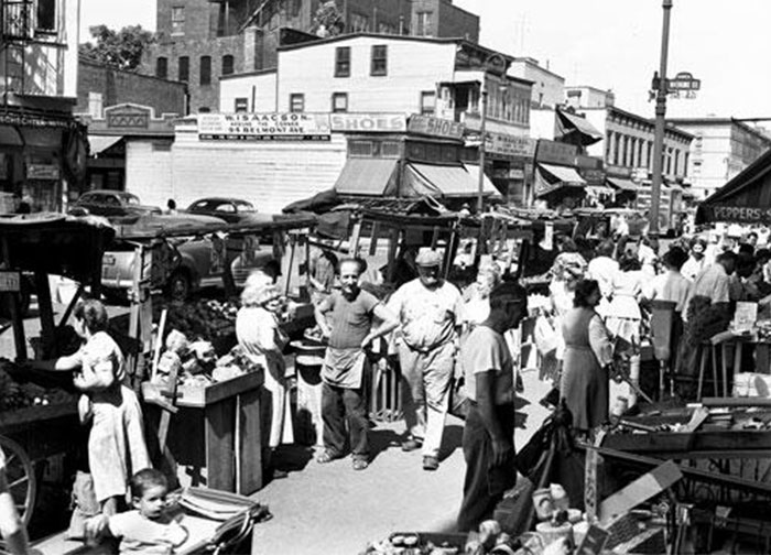 Pushcart market on Belmont Ave. The rich history of the Brownsville NY Jewish community
